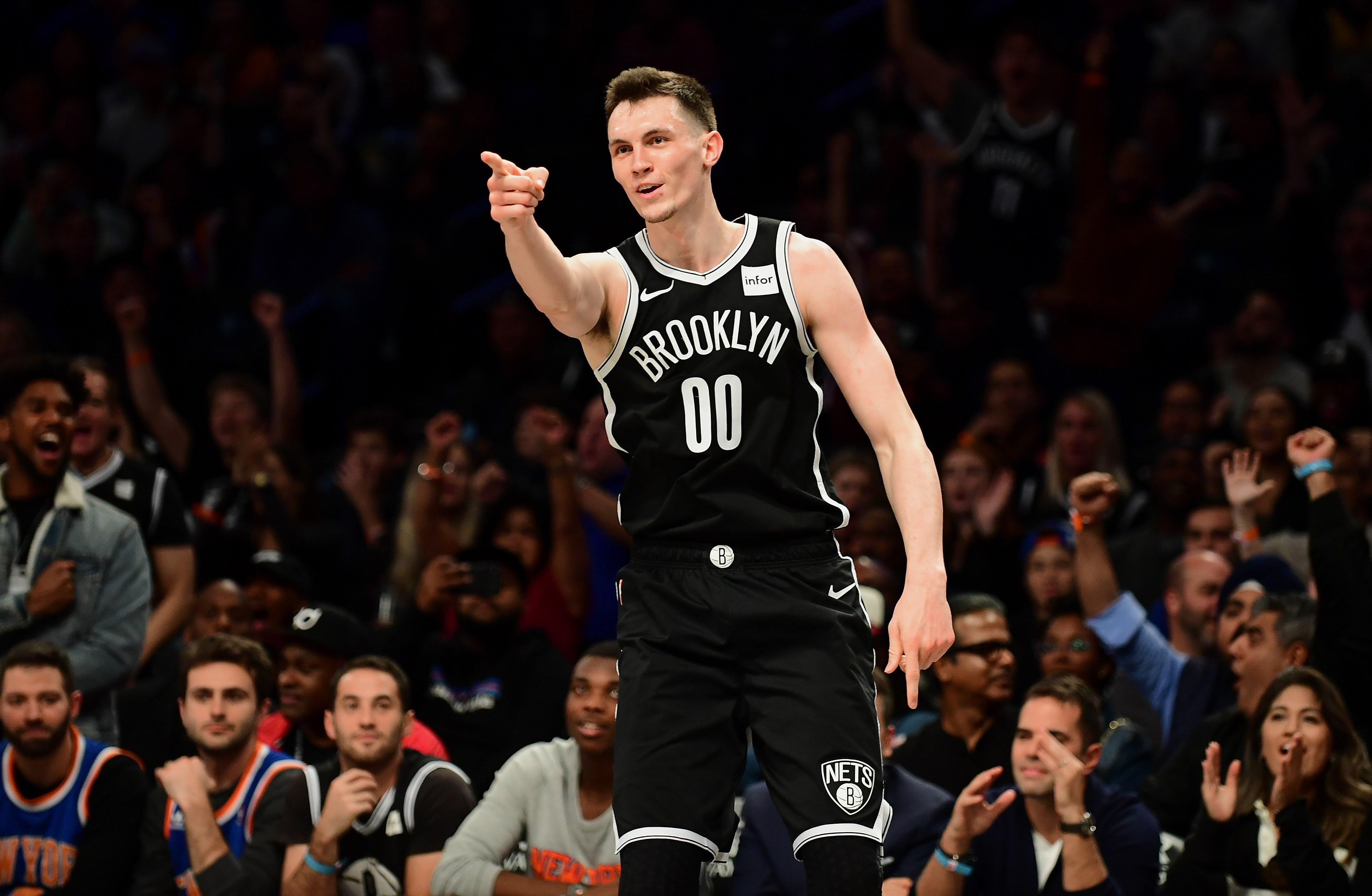 """Kurucam neliels spēles laiks """"Nets"""" zaudējumā pret """"Hawks""""; """"Mavericks"""" izcīna uzvaru"""