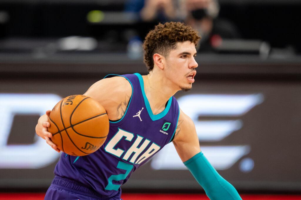 Izraēlietis Avdija, skandalozais Bols un drafta 1. numurs Edvardss - kā klājas NBA pirmgadniekiem?