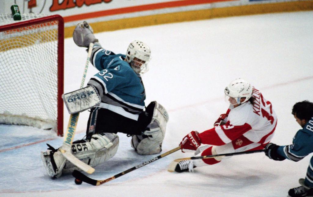 Visu laiku pazīstamākais Latvijas hokeja vārtsargs - Artūrs Irbe