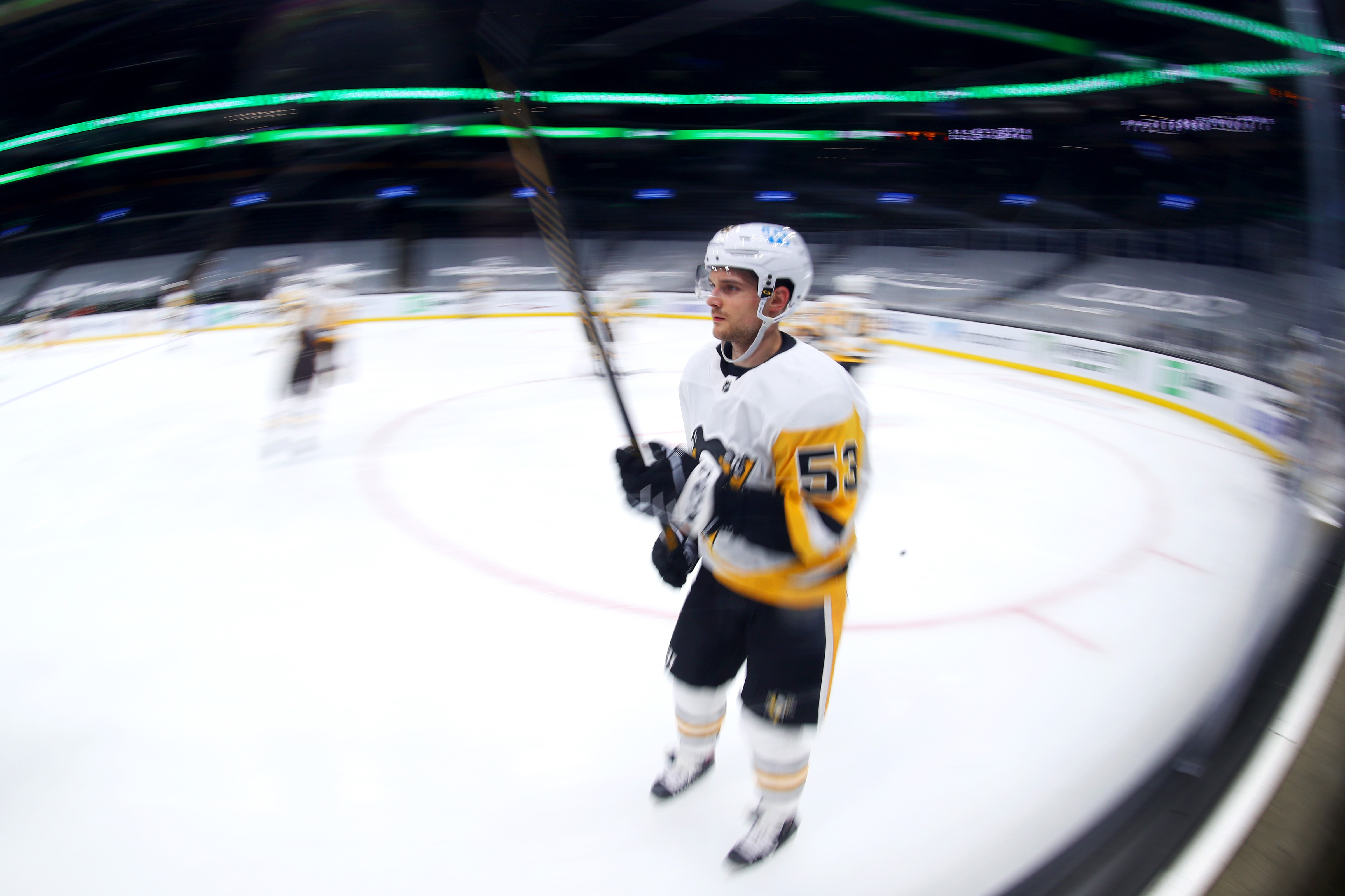Bļugers turpina krāt punktus NHL