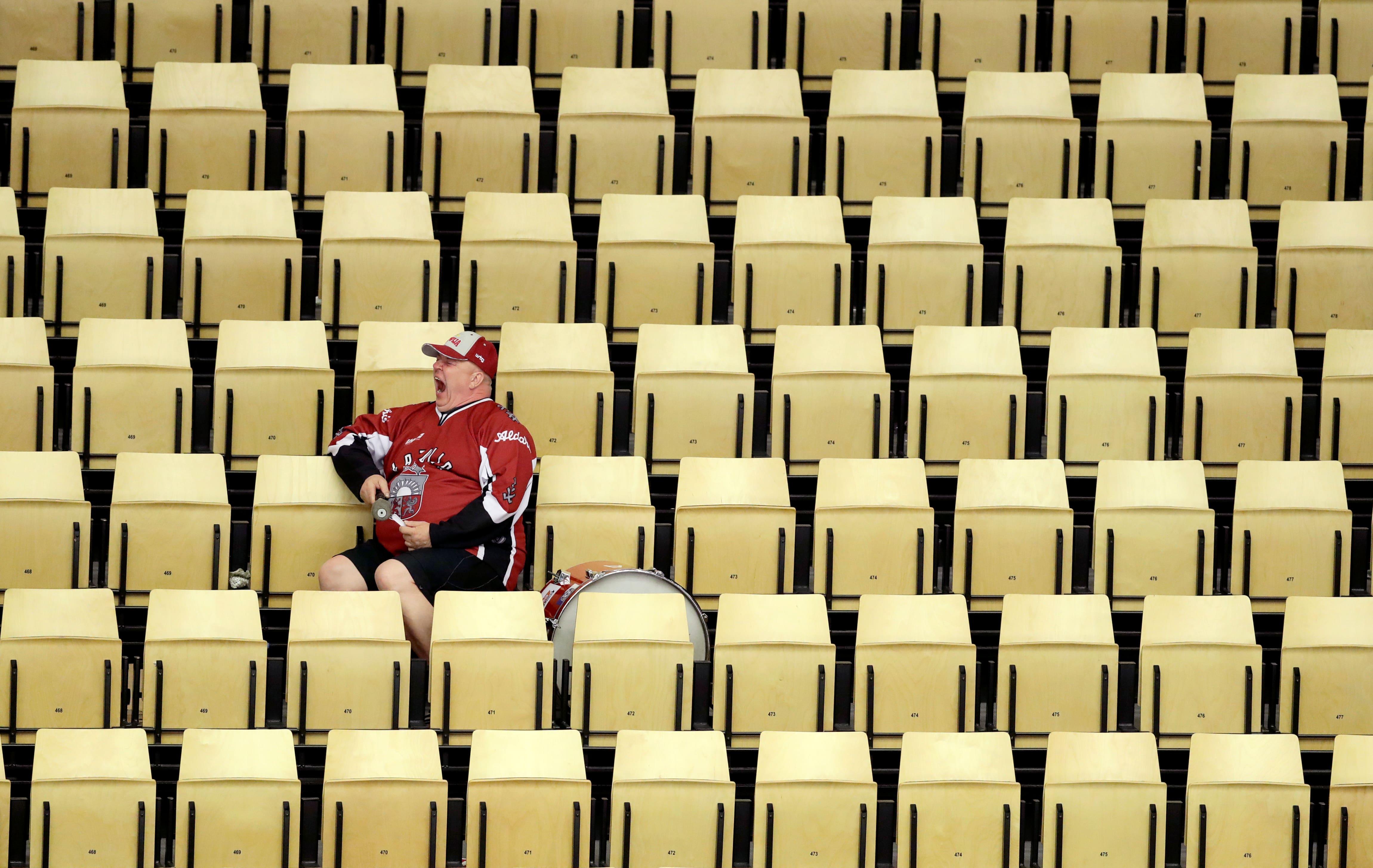 PČ hokejs šogad notiks bez skatītājiem