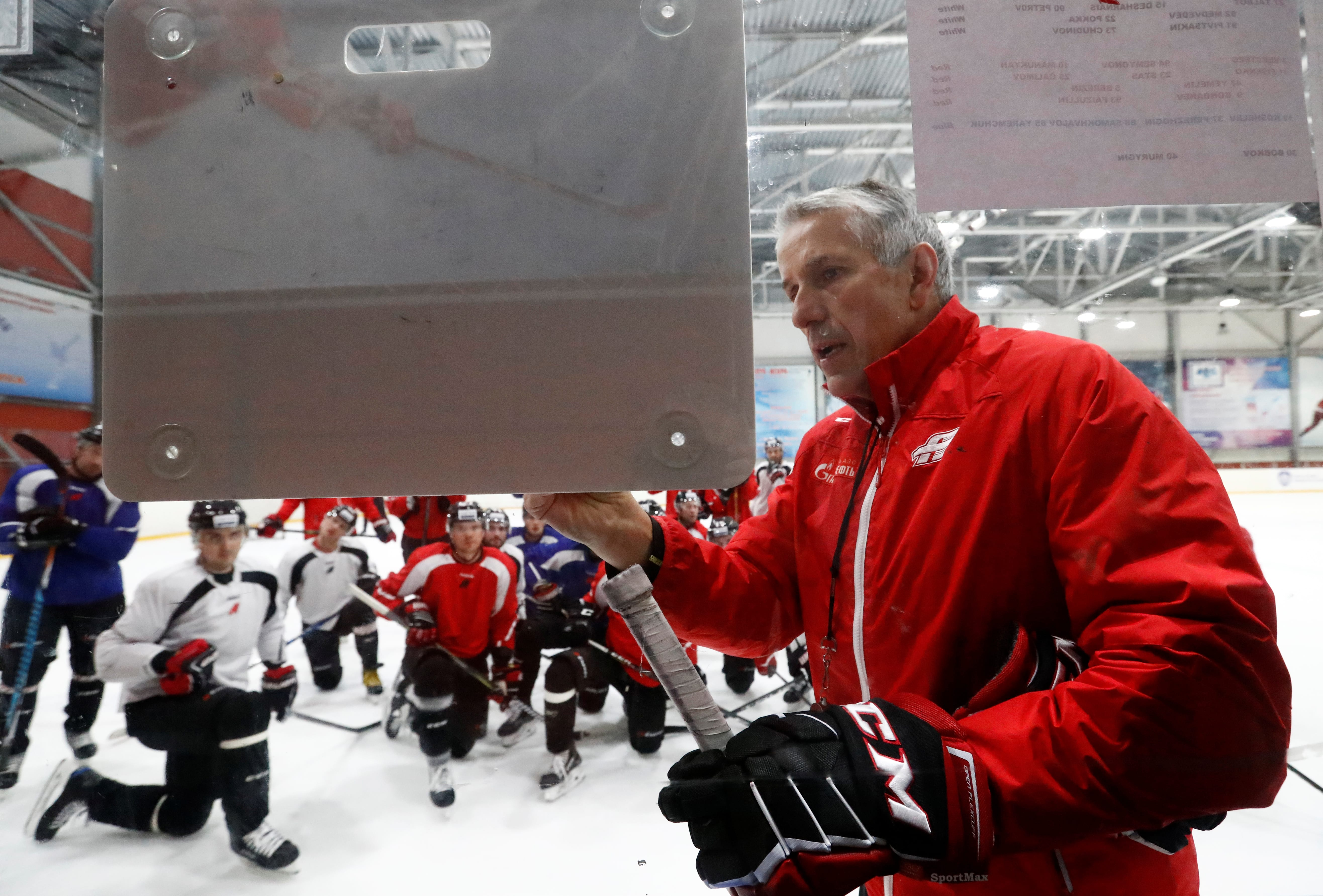 Uzvarētāja taktika KHL = ceturtdaļfināls pasaules čempionātā?