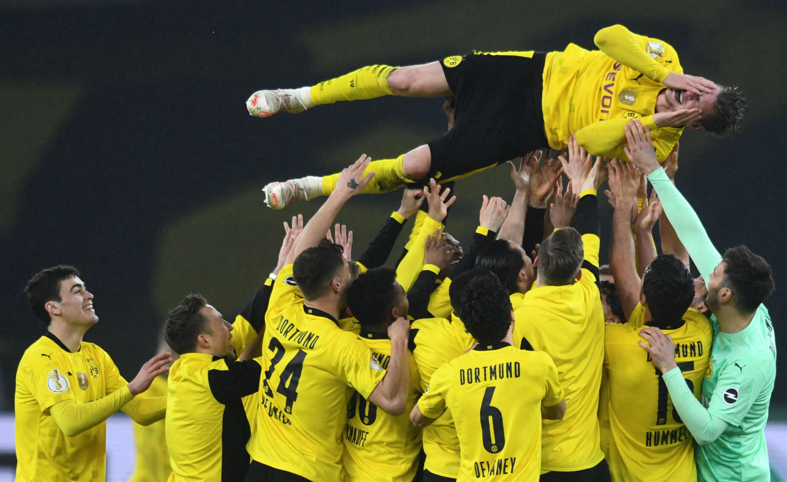 """Dortmundes """"Borussia"""" piekto reizi izcīna Vācijas kausu futbolā"""