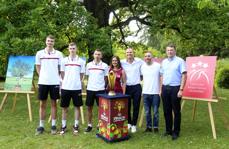 Latvijā sāksies Pasaules U19 čempionāts basketbolā - kādi vīri pārstāvēs mūsu valsti?
