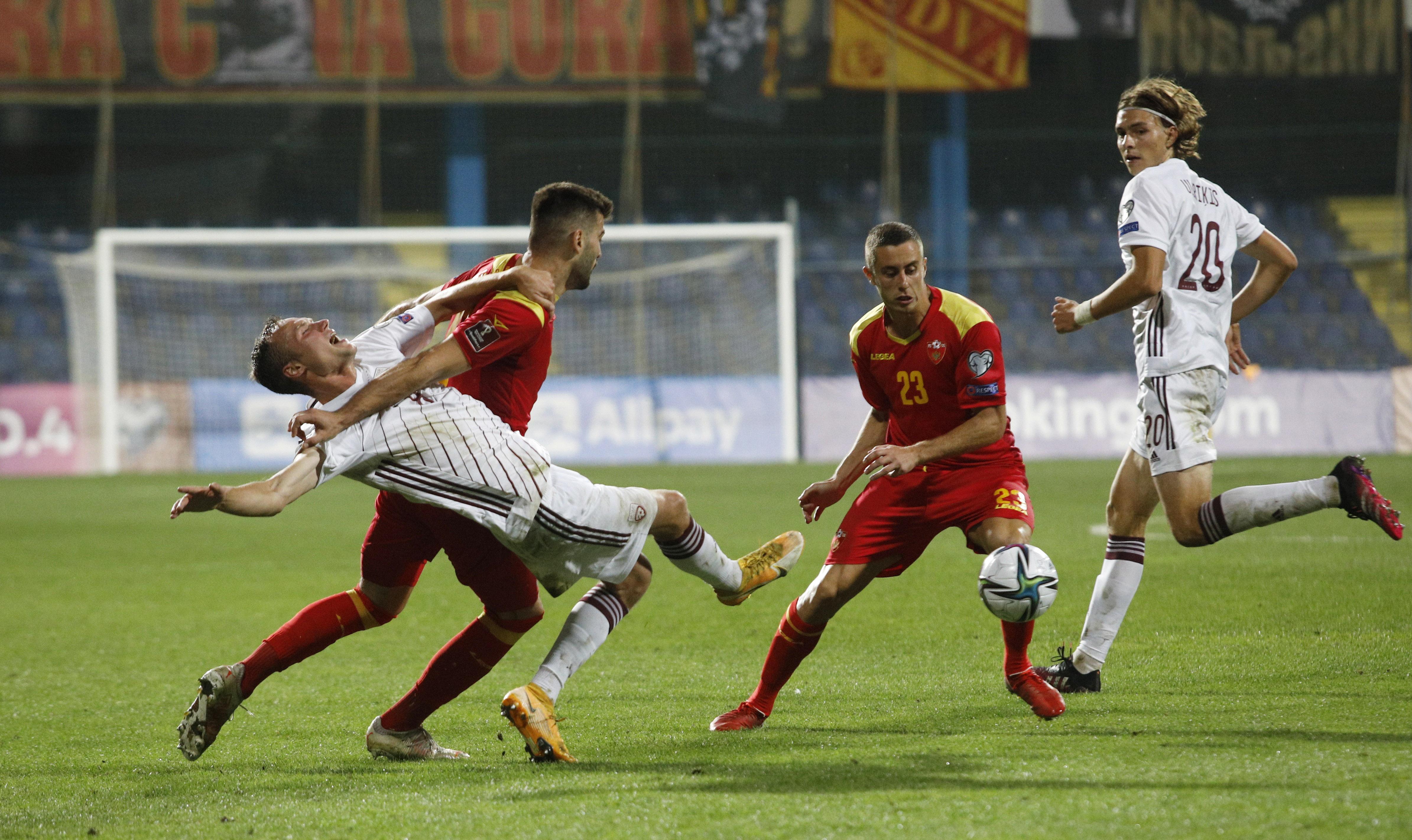 Cigaņiks neizmanto iespēju spēles beigās; Latvijai varonīgs neizšķirts ar Melnkalni