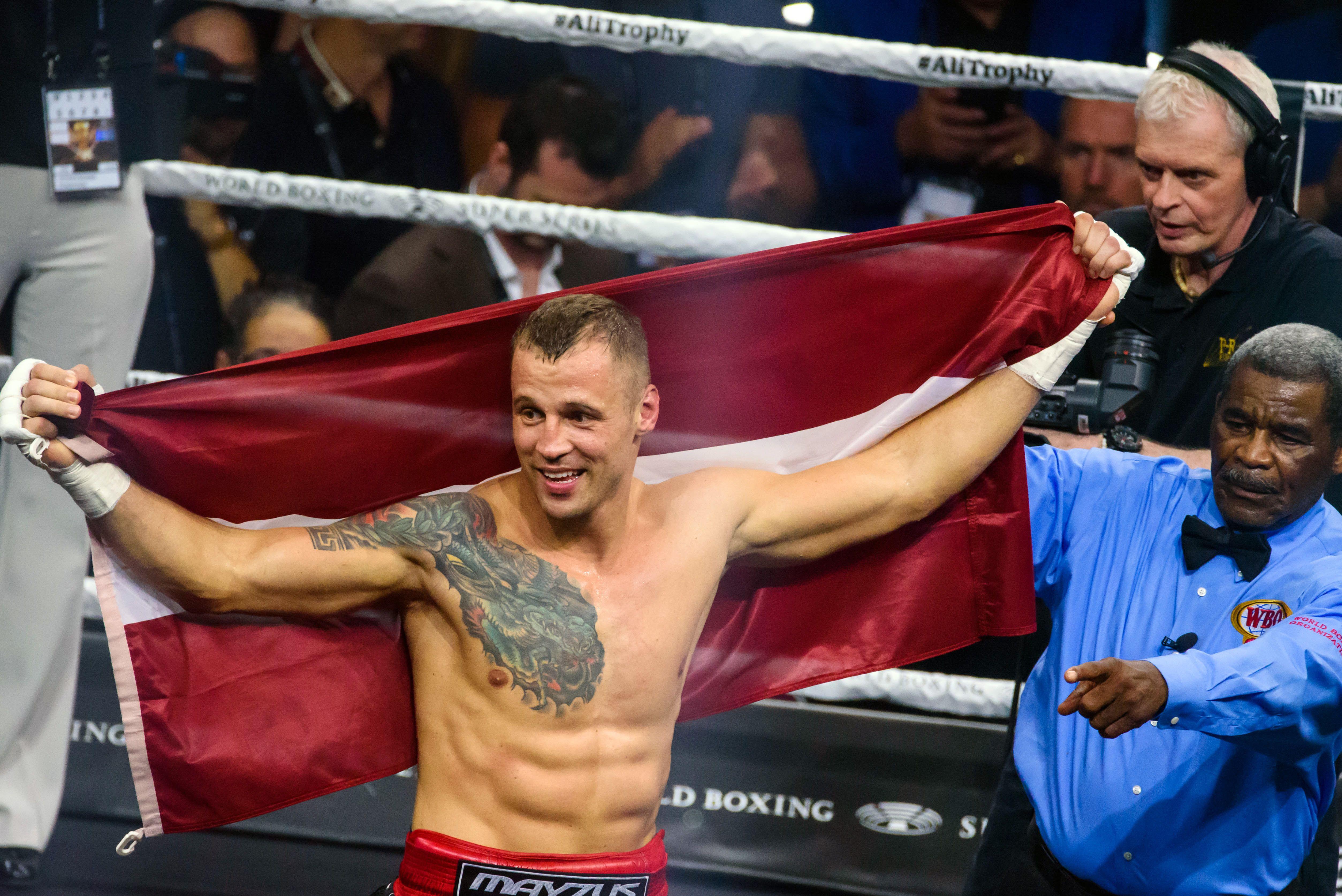 Briedis: Man jāaizstāv savas čempiona jostas, lai varu pacelt Latvijas karogu